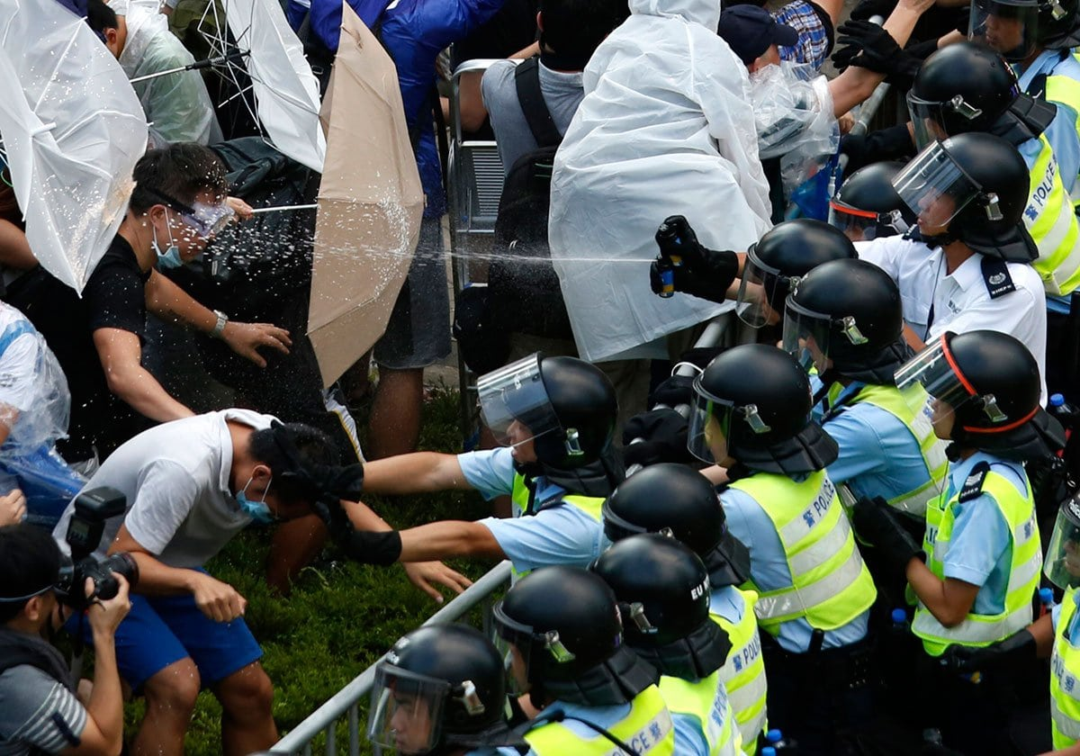 hong-kong-pepper-spray-protests